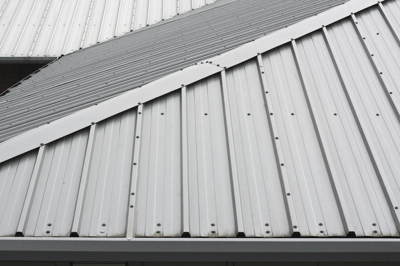 Top Dacheindeckung mit Zinkblech: Kosten & Vorteile » 11880-dachdecker.com JC17