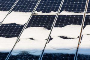 schnee auf solar